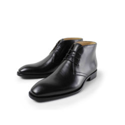 picture of 2 military style dress boots that are ankle height with dress laces