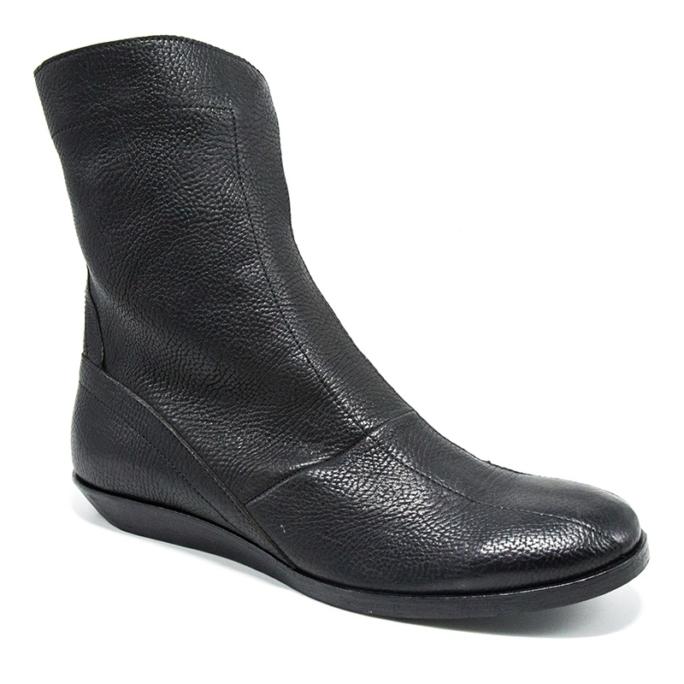 sleek italian designer racing style boots